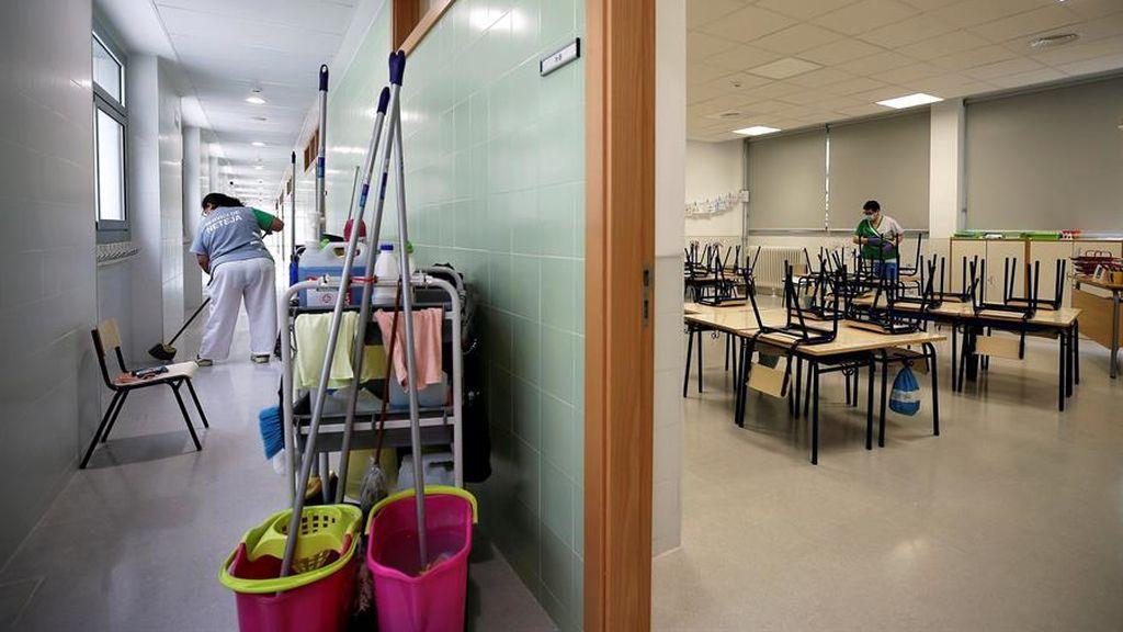 Los centros educativos reabren pero solo para tareas de desinfección y administración