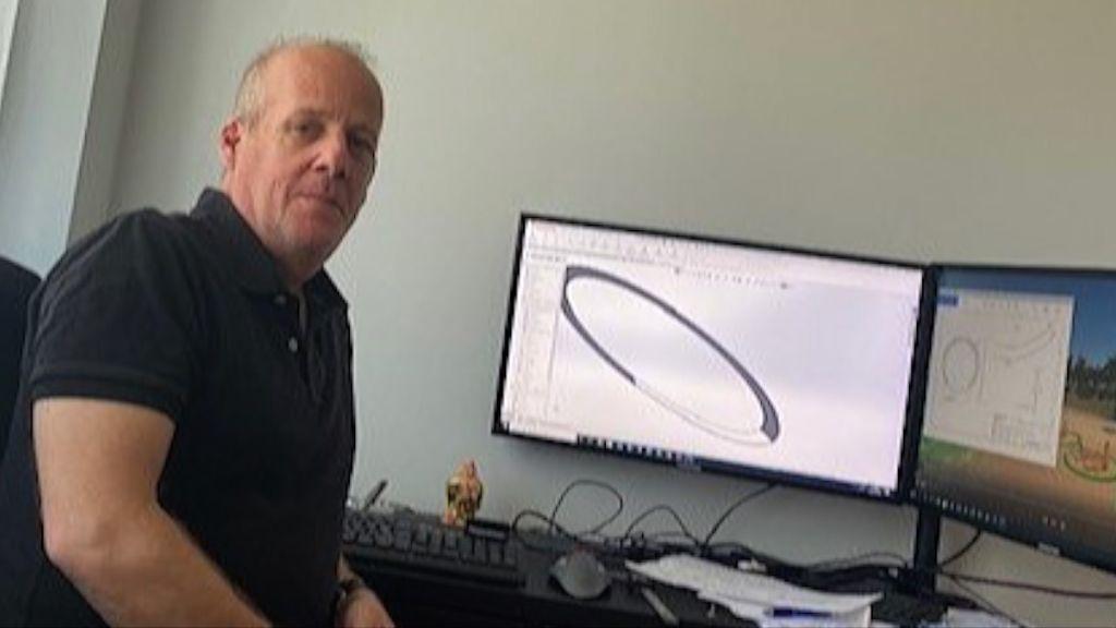 Oscar Pavon en su estudio
