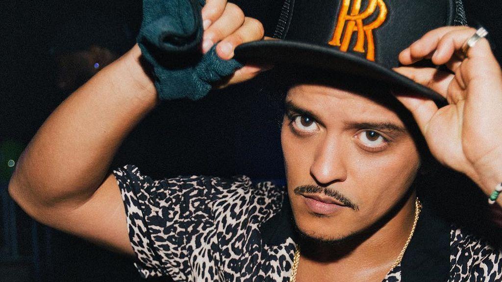 La gente cree que Bruno Mars es el hijo secreto de Michael Jackson