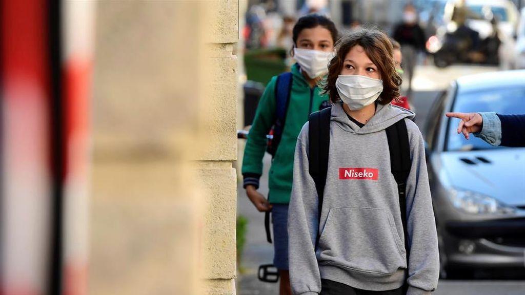 Francia cierra 70 colegios por casos de coronavirus una semana después de retomar las clases
