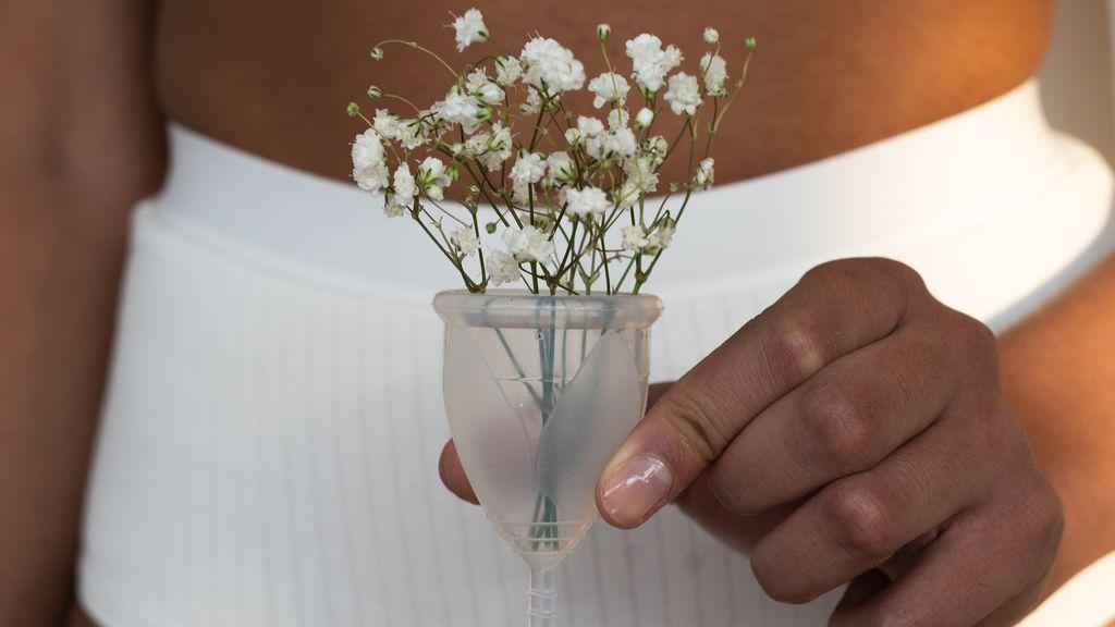 Agua, una olla y tres minutos: cómo estirilizar tu copa menstrual fácilmente