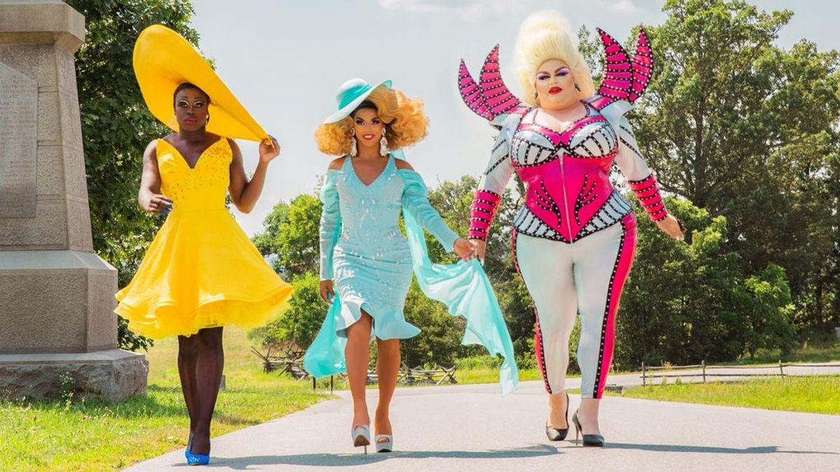 La fuerza del drag: 'We're here' demuestra que una gran peluca te puede hacer mejor persona