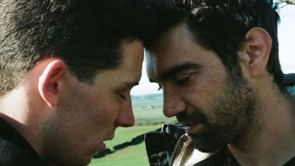 "El director de la nueva 'Brokeback Mountain' acusa a Amazon de ""censura"" y llama al boicot"