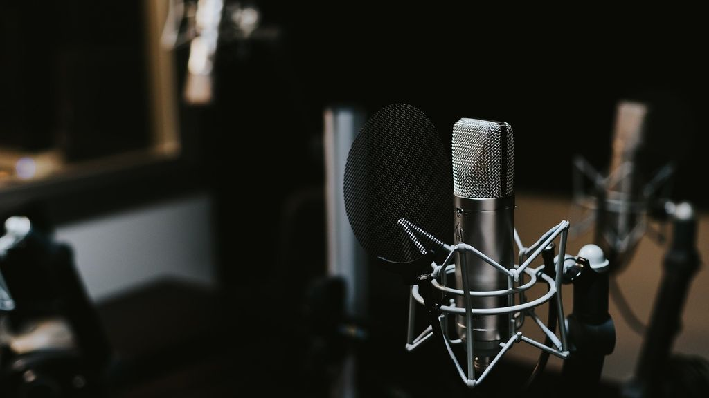 Podcast sobre ahorro personal: cuáles no puedes perderte
