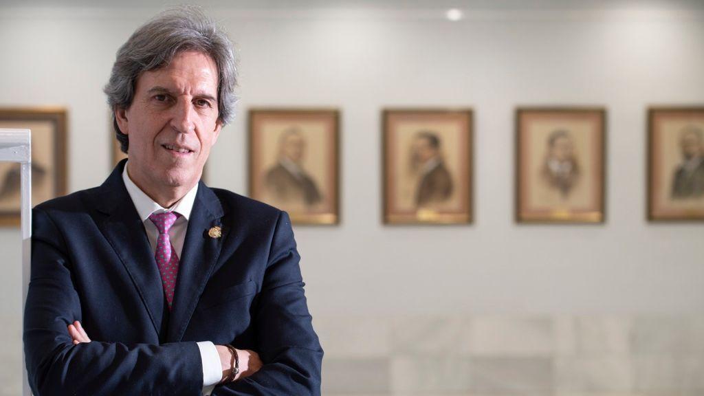"""El presidente del Colegio de Médicos de Madrid: """"Hay que esperar una o dos semanas para pasar a Fase 1"""""""