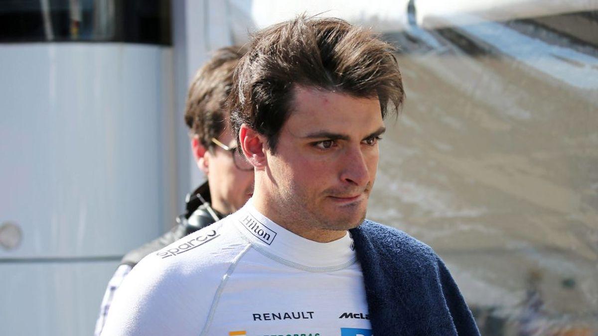 Carlos Sainz cuenta los entresijos de su fichaje por Ferrari: dos meses negociando y su padre como consejero