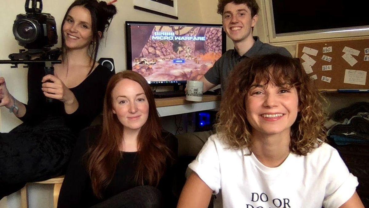 Los cuatro creadores del videojuego 'Call of corona'