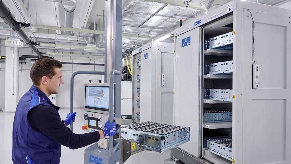 Las baterías generarán un negocio de 250.000 millones y un millón de empleos, según la UE