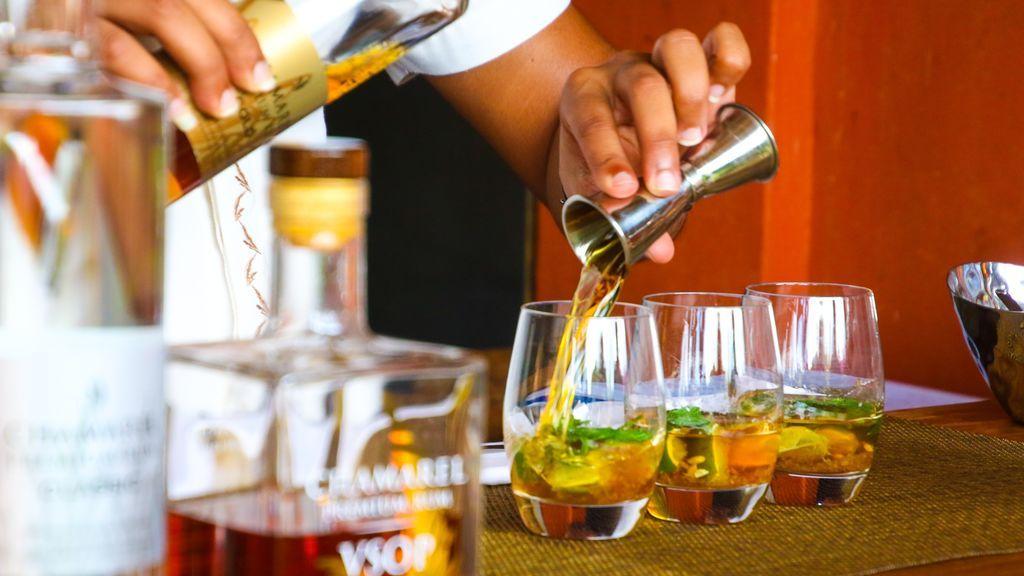 No te lo bebas todo: el alcohol no protege contra el coronavirus