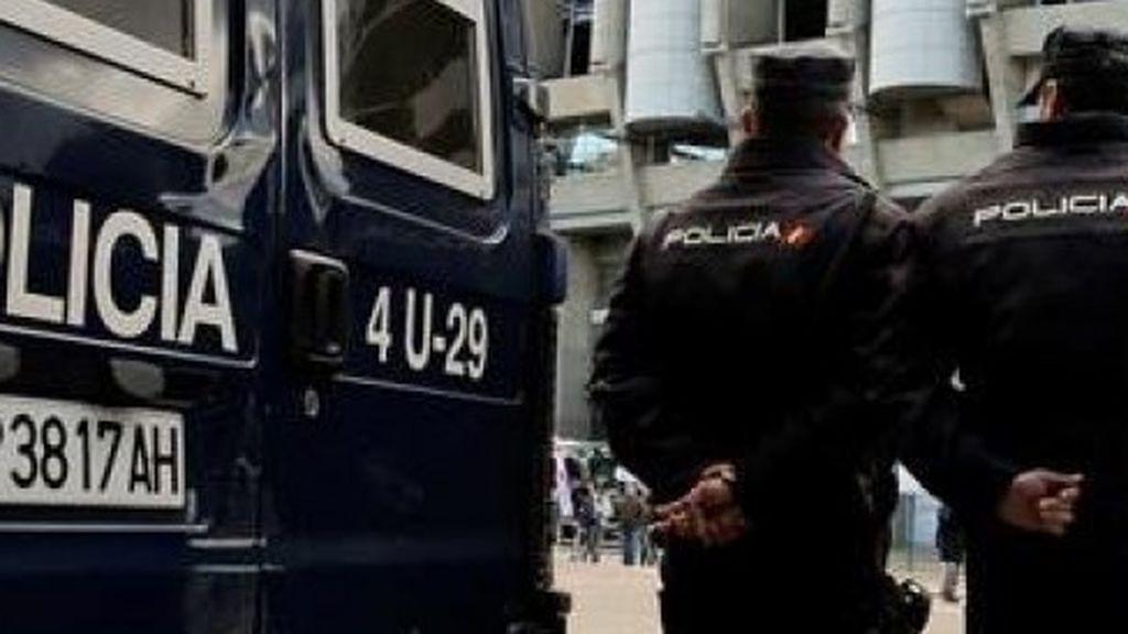 Denuncian a un comisario de Barcelona por organizar coronapinchos en grupos de 20 personas en comisaríap