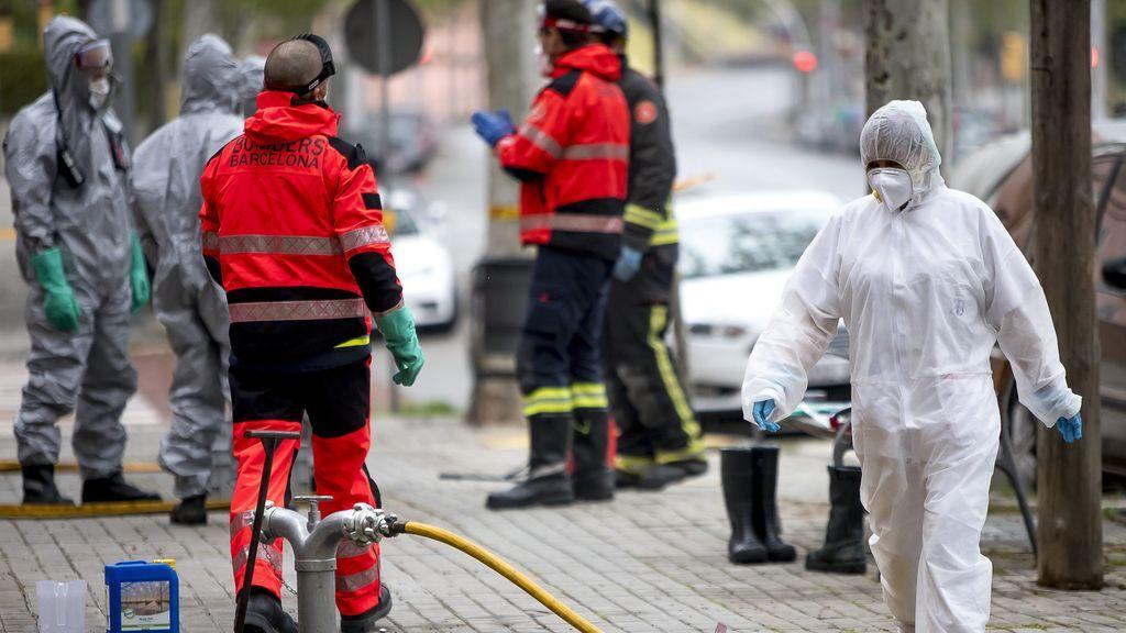 Los bomberos hallan 62 ancianos fallecidos solos en sus casas entre marzo y mayo en Madrid
