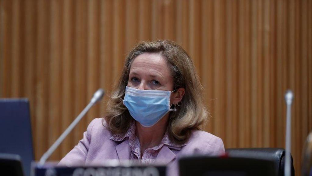 Nadia Calviño, con mascarilla por el coronavirus