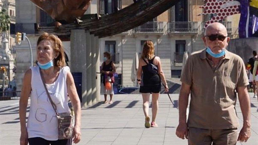Barcelona y Madrid respiran en la fase 1:  paseos a cualquier hora,  bares con un 50% de su aforo y reuniones hasta con 10 amigos