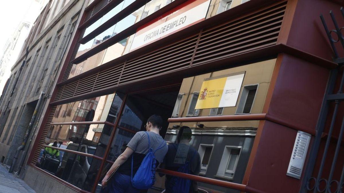 """""""El ERTE me tiene hasta el orto"""": cinco jóvenes explican cómo sobreviven sin cobrar y sin ahorros"""