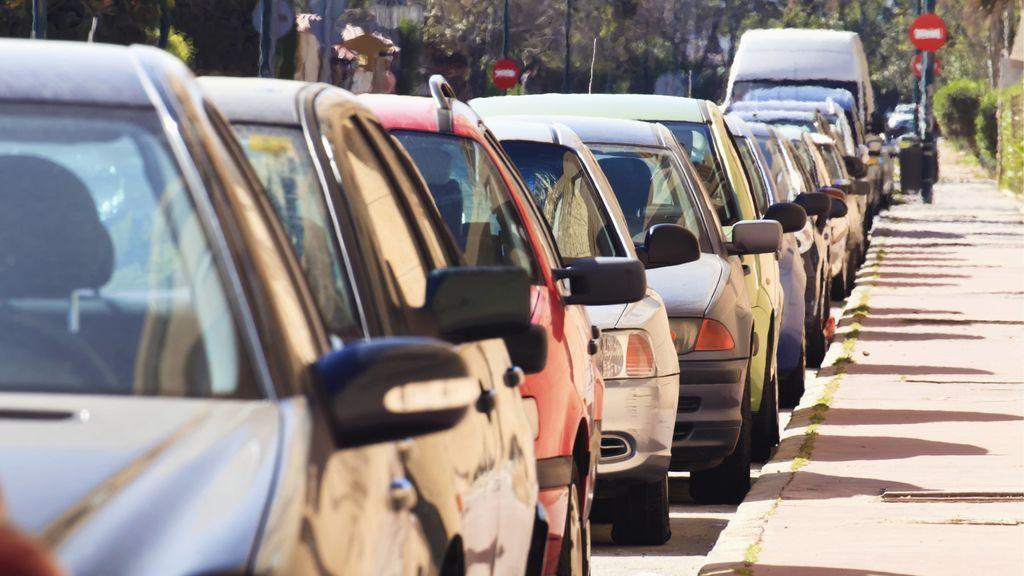 Gel hidroalcoholico y coche al sol: avisan de algunas pequeñas explosiones por el calor acumulado