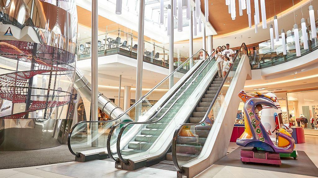 Las tiendas de centros comerciales que tengan acceso desde el exterior podrán abrir desde el lunes