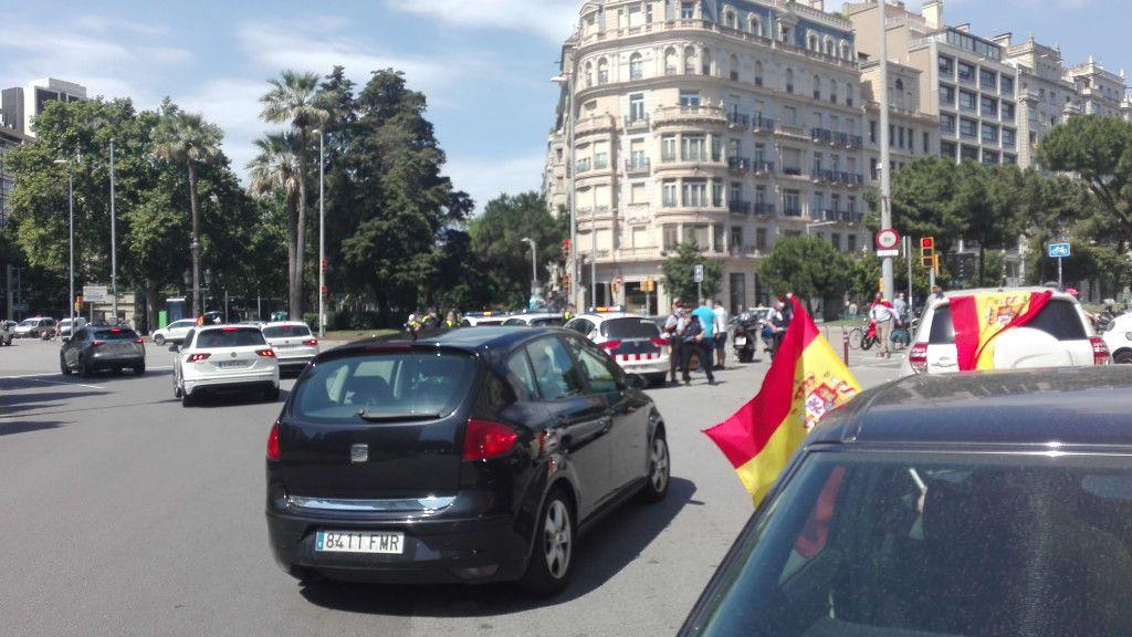 Poca afluencia en la marcha de Vox en Barcelona por la dimisión del Gobierno