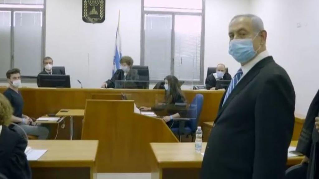 Netanyahu defiende su inocencia en el inicio de su juicio por corrupción