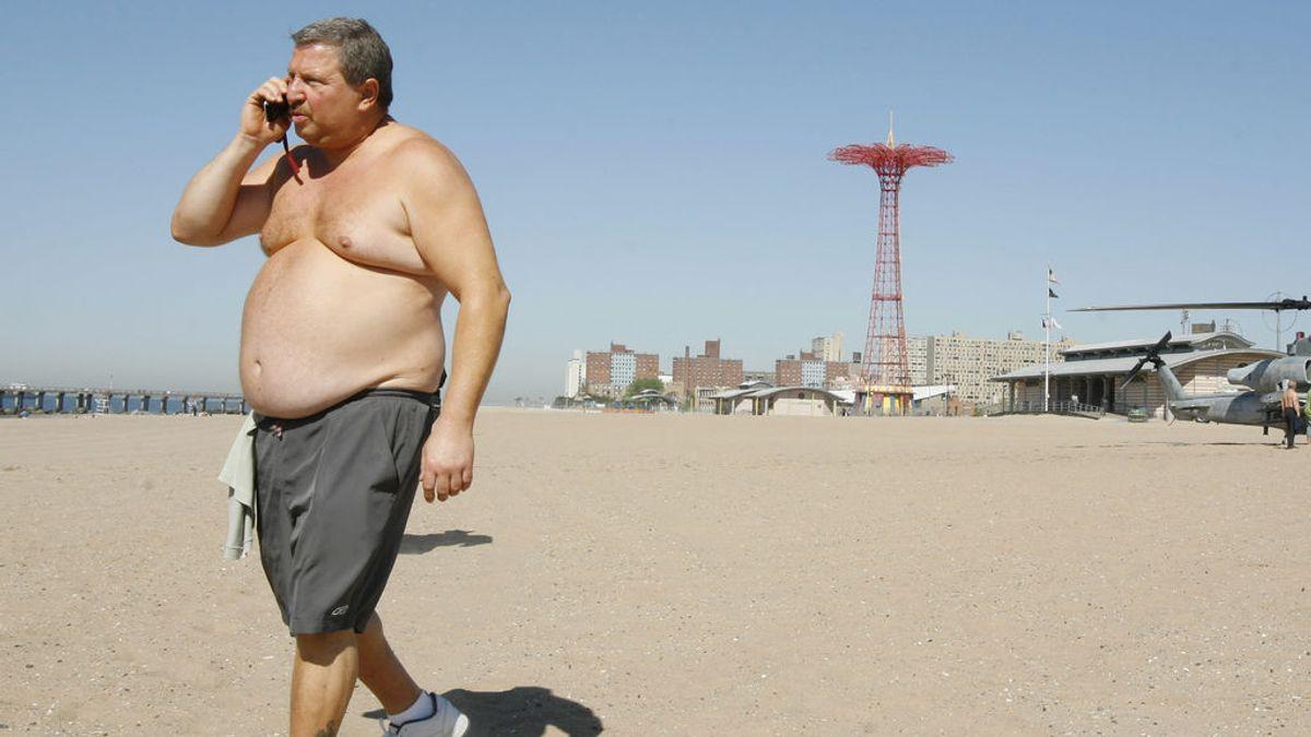 Ser hombre, obeso o mayor de 50 aumenta el riesgo de muerte por Covid-19, según un estudio