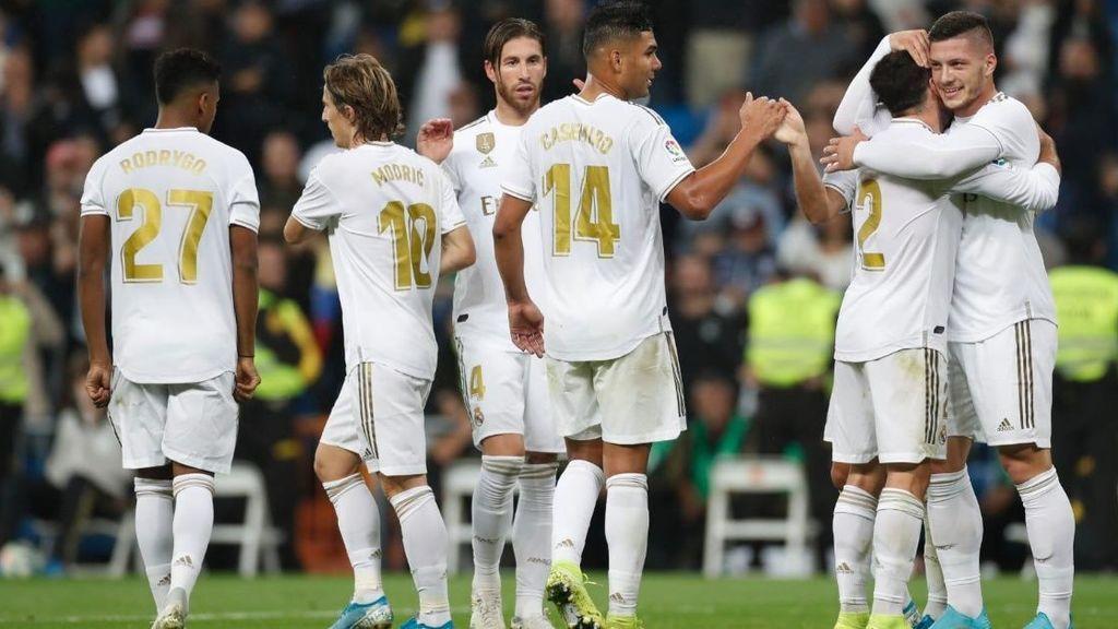 Jugadores del Real Madrid celebran un gol