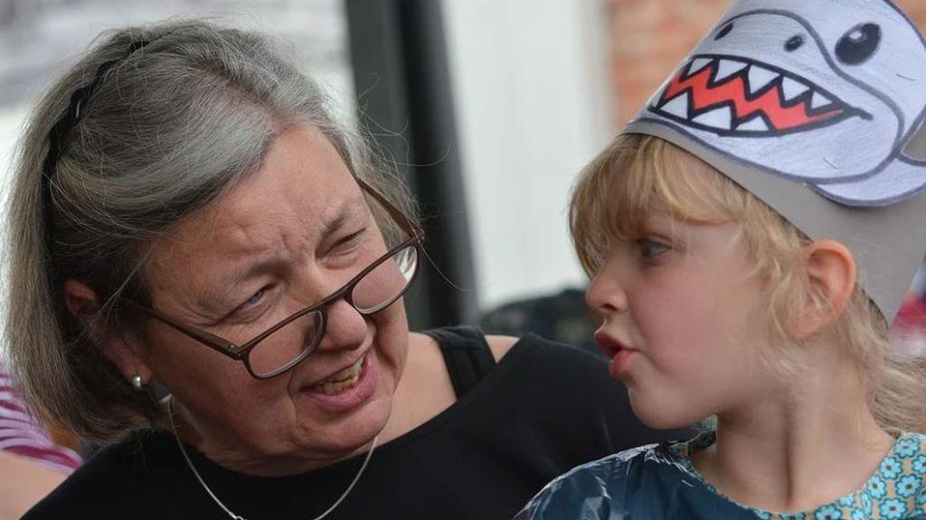 Condenan a una abuela en Países Bajos a borrar las imágenes de sus nietos en redes sociales