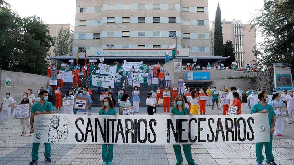Multitudinaria protesta del personal sanitario de la Comunidad de Madrid