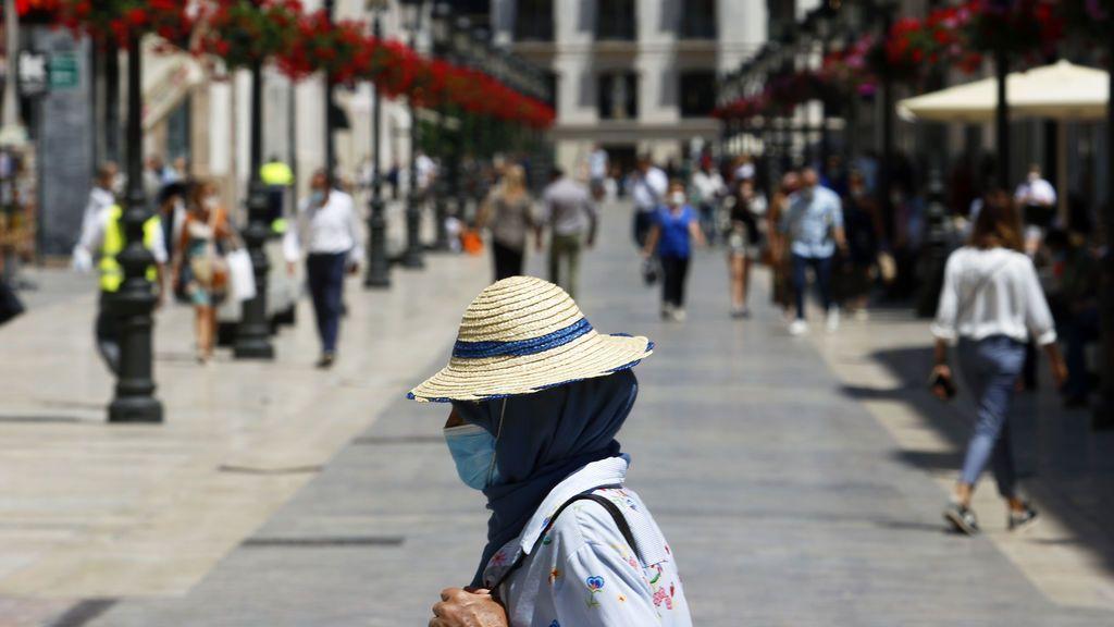 Mascarillas para alérgicos: cuáles son las más adecuadas para la doble protección y cómo llevarlas