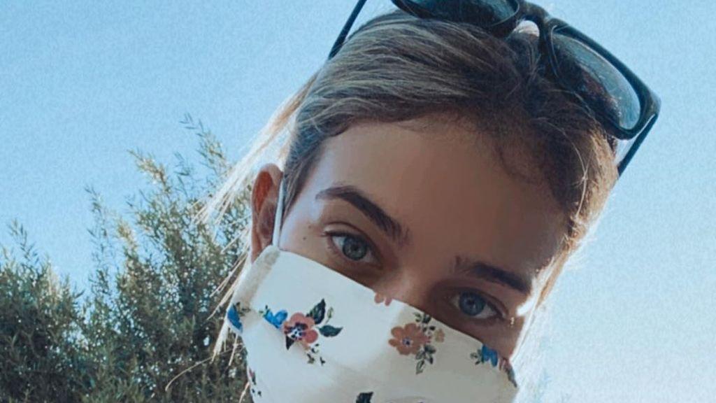 Laura Escanes ya tiene la suya y es de flores: mascarillas higiénicas monas y baratas para la nueva normalidad