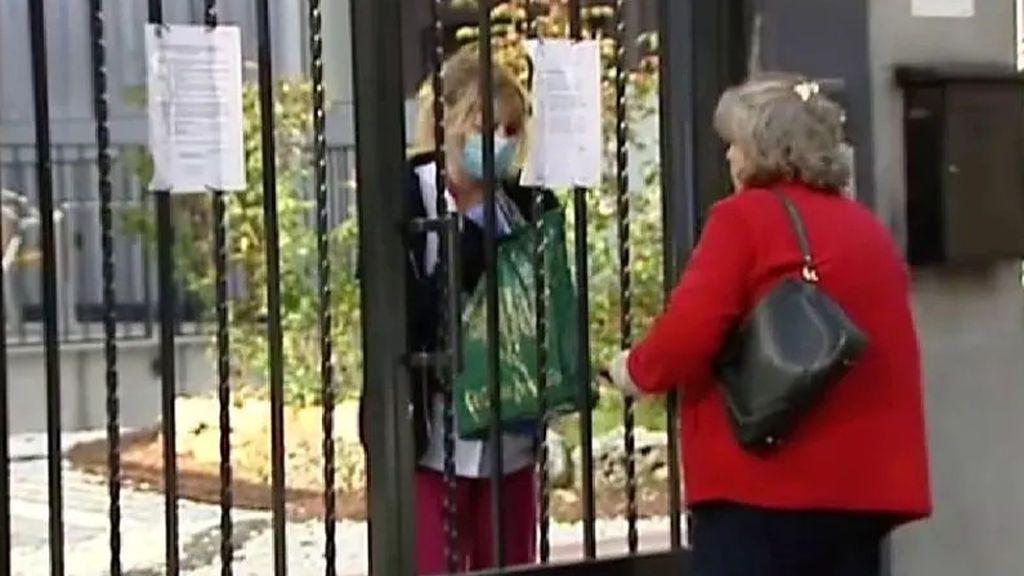 Investigan una residencia de Murcia por permitir visitas a ancianos sin autorización