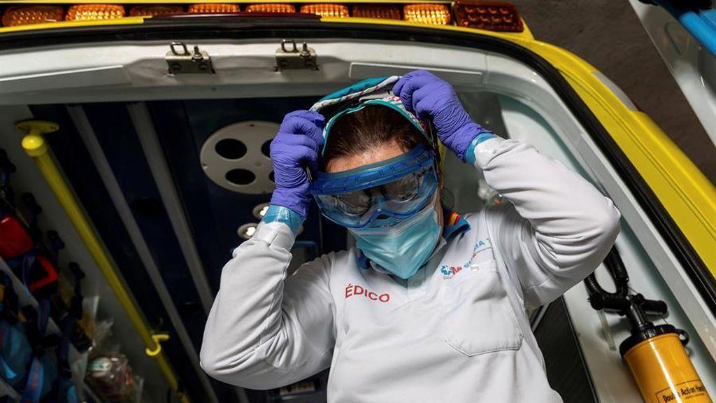 Cerca del 40% de los médicos ha estado en contacto con pacientes con coronavirus sin la protección necesaria