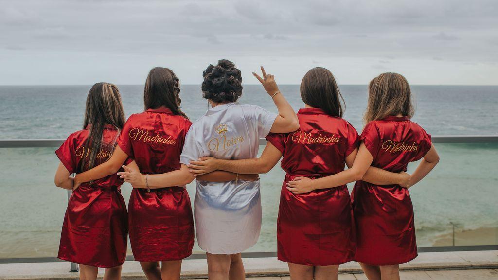 Mucho más que diademas y boys: ideas de disfraces low cost para una despedida de soltera