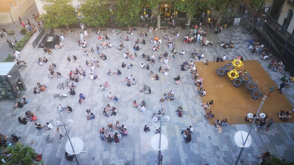 El uso de mascarilla, residual en el barrio de Gracia de Barcelona en la entrada a la fase 1