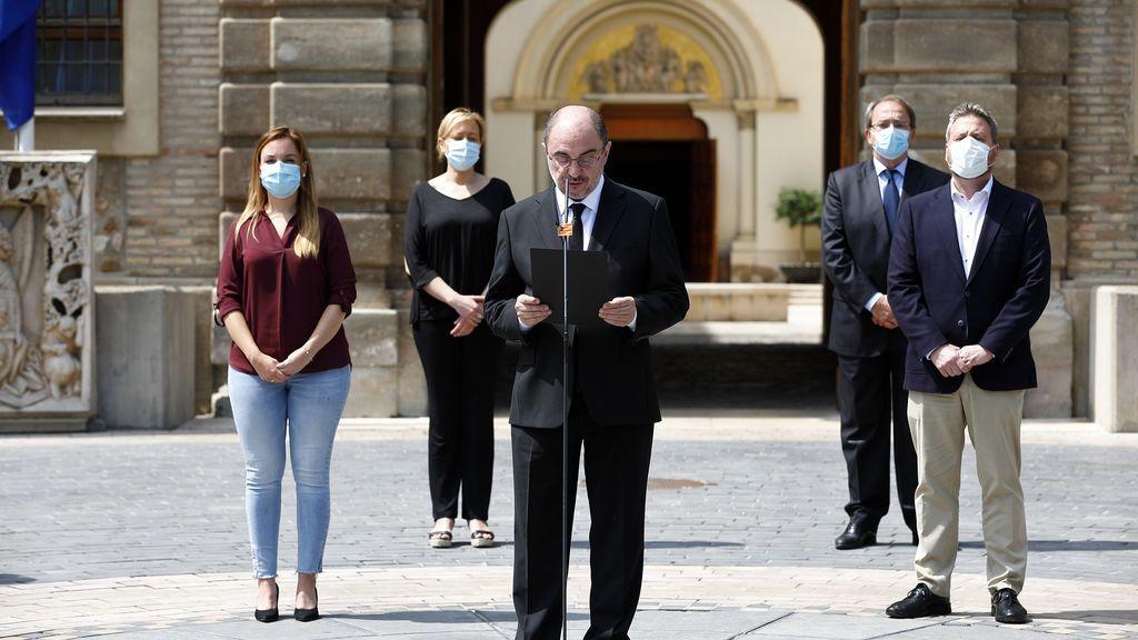 El gobierno de Aragón, durante el minuto de silencio en memoria de las víctimas del coronavirus