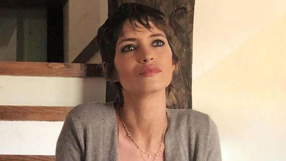 """Las reacciones que han convertido el posado de Sara Carbonero con pelo corto en un ejemplo de su fuerza contra el cáncer: """"Luchadora"""""""