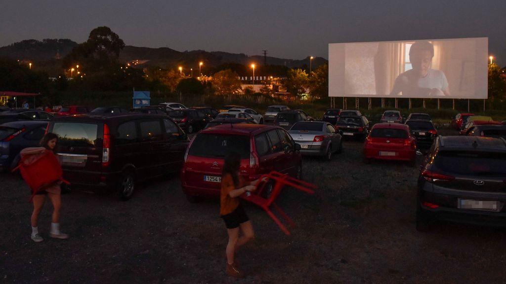 El cine vuelve a las pantallas en el autocine de Getxo con el clásico Tiburón
