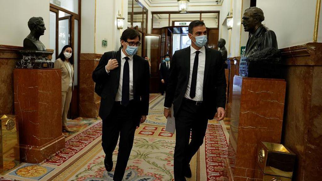 Sánchez y Casado se enfrentan en la sesión de control al Gobierno