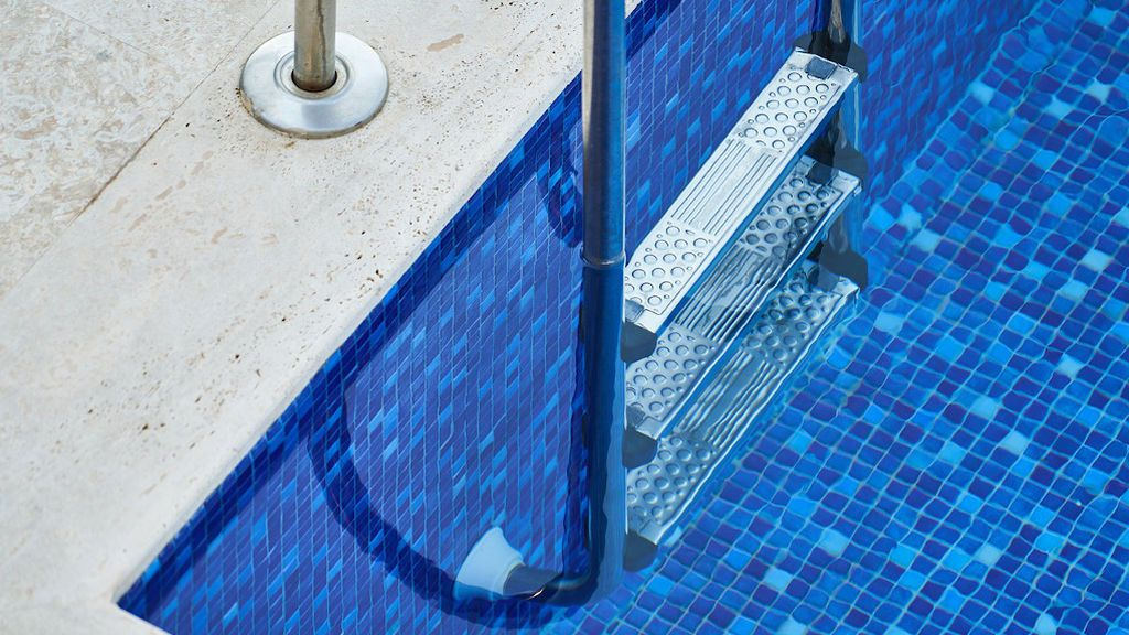 Consejos para poner a punto tu piscina este verano antes del primer chapuzón