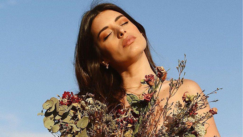 FlowerWear o cuando vestirse con flores se ha convertido en viral