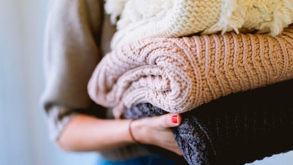 Cambio de armario: guardar la ropa de invierno para encontrarla impecable en unos meses