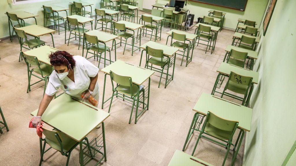 La 'vuelta al cole' con medidas sanitarias requiere 7.000 millones y 175.000 profesores más, según CCOO