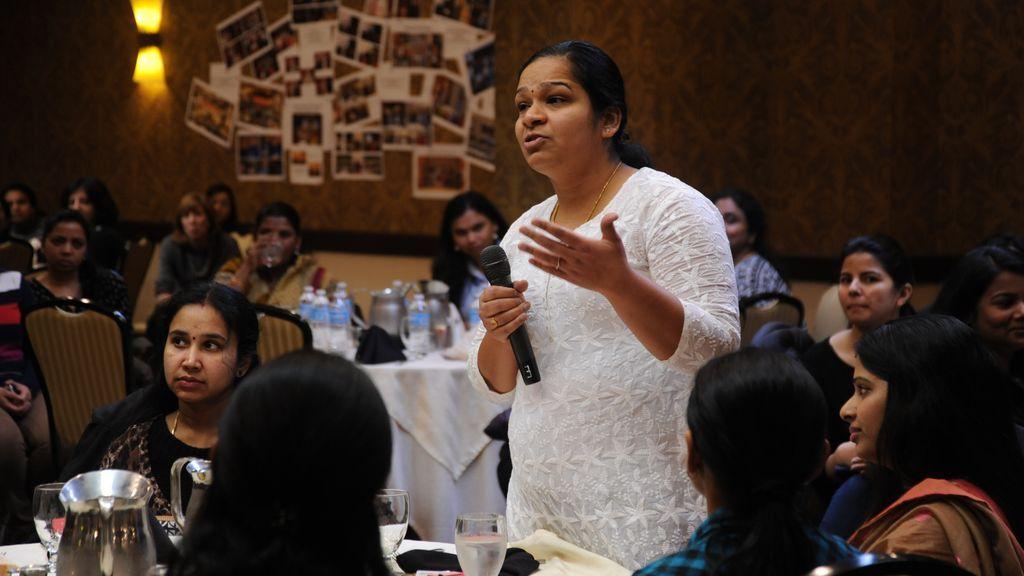 Trucos para vencer el miedo a hablar en público: estudiar y ensayar es esencial