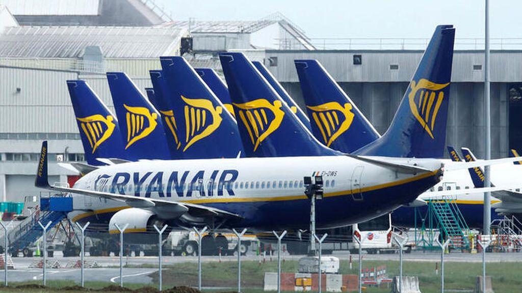Ryanair recortará 616 empleos en España y reducirá el sueldo al resto de la plantilla para afrontar la crisis