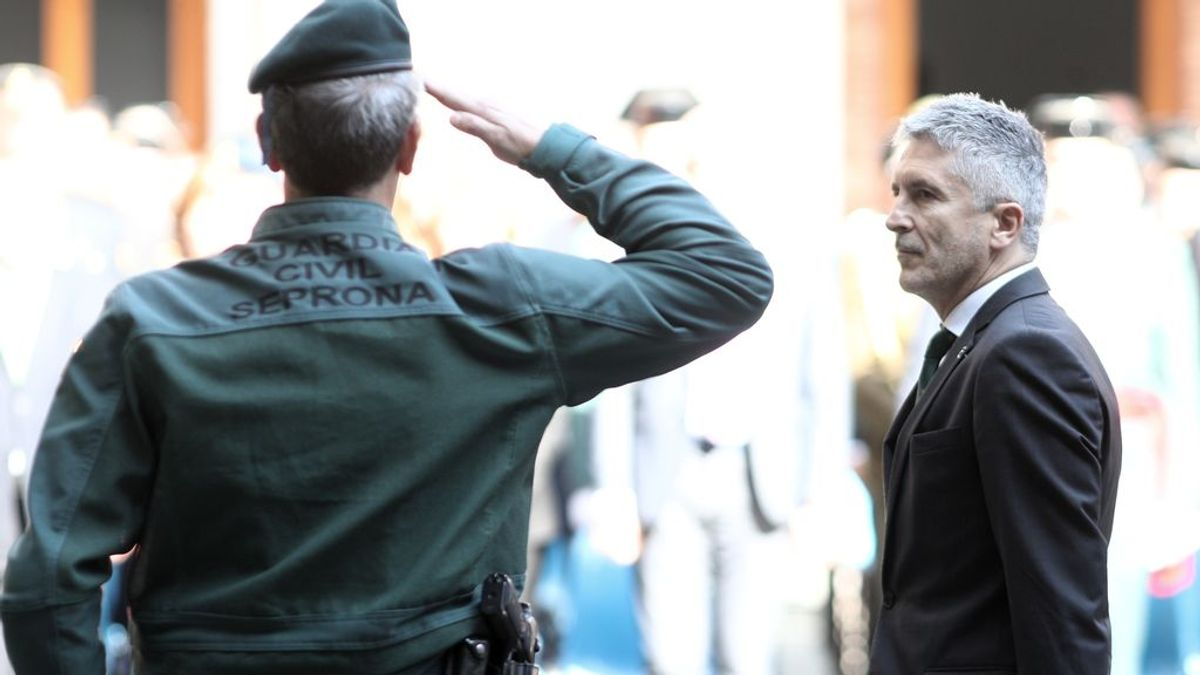 Ceses, presiones y la amenaza de un retiro sin honores: así fue la 'semana de la ira' entre Marlaska y la Guardia Civil