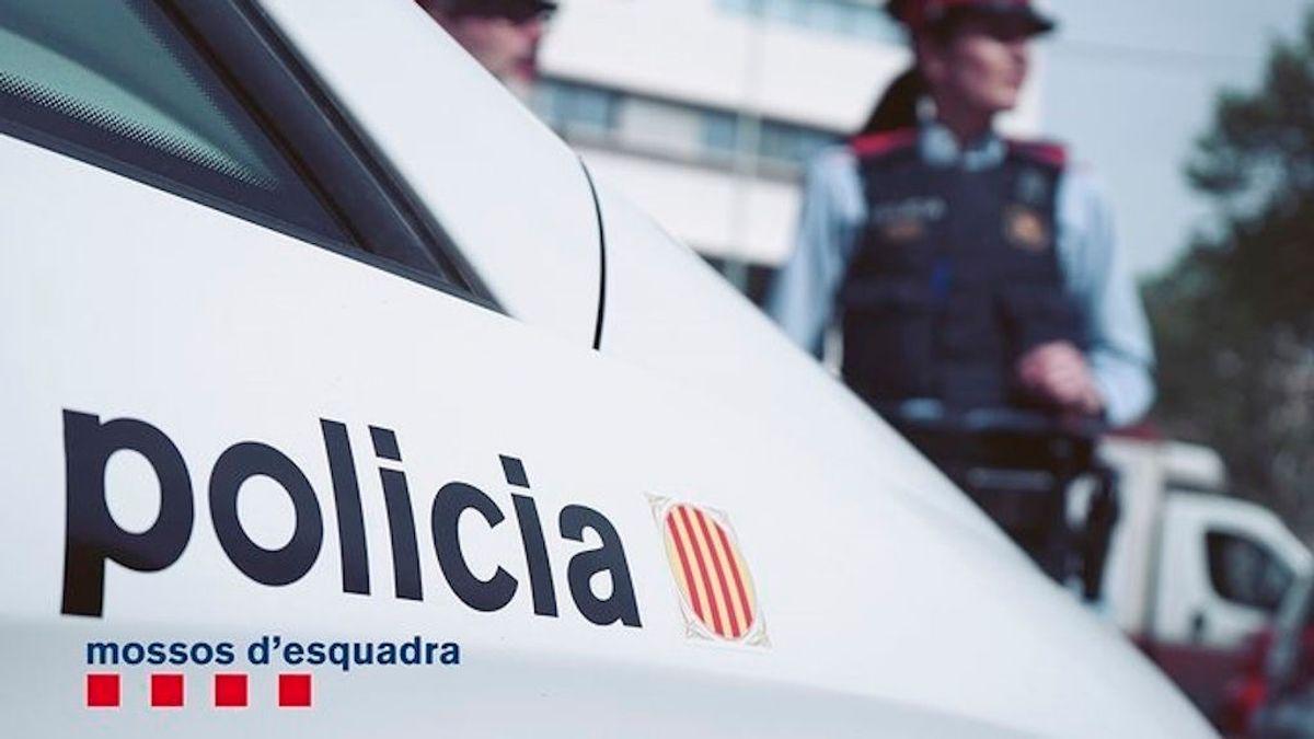Los Mossos encuentran a una mujer muerta con signos de violencia en Barcelona