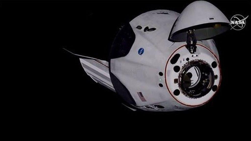 La Crew Dragon de Space X se acopla con éxito a la Estación Espacial Internacional