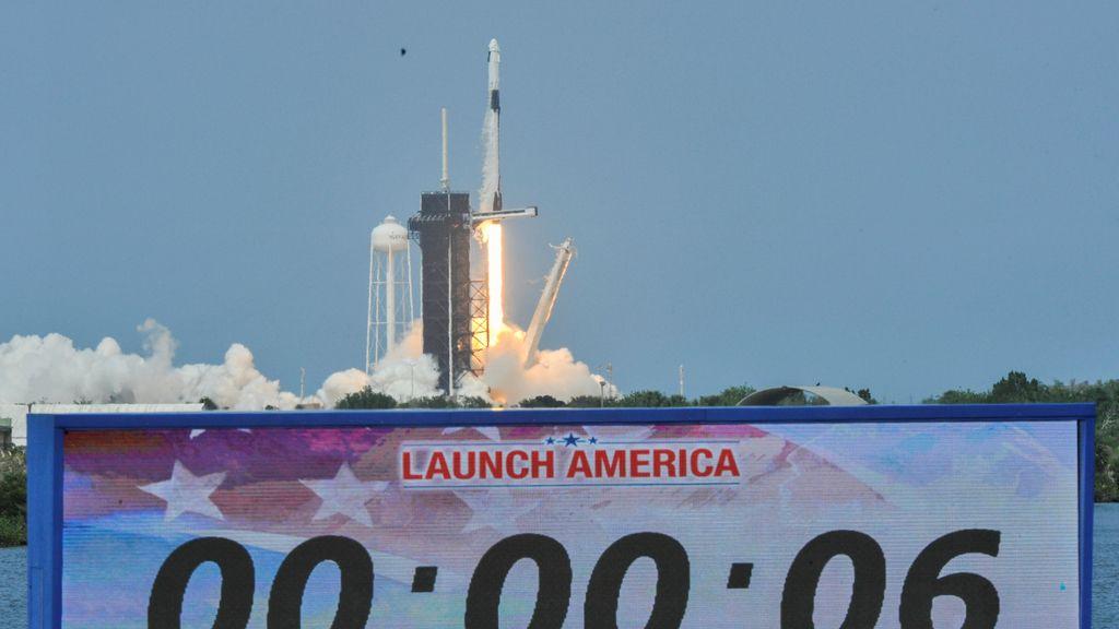 Pasan seis segundos desde el lanzamiento exitoso de la Crew Dragon a la Estación Espacial Internacional