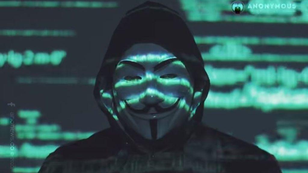 Anonymous sale de su escondite para 'hackear' a la policía de Mineápolis y desenterrar el caso Epstein