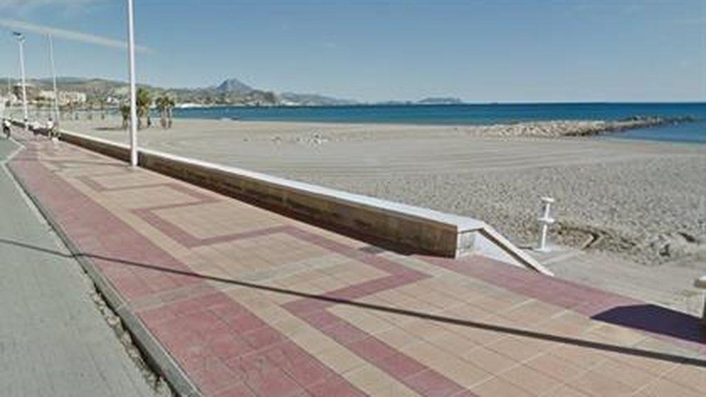El primer día de apertura de playas al baño en Alicante termina con una ahogada y tres rescatados con síntomas de ahogamiento