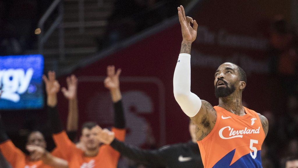 El jugador de la NBA JR Smith, grabado dando una paliza a un hombre blanco