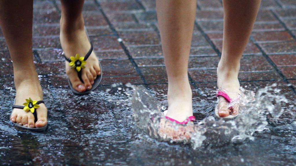 La Dana que llega calma el ansia de piscinas: lluvia y más frío la primera semana de junio